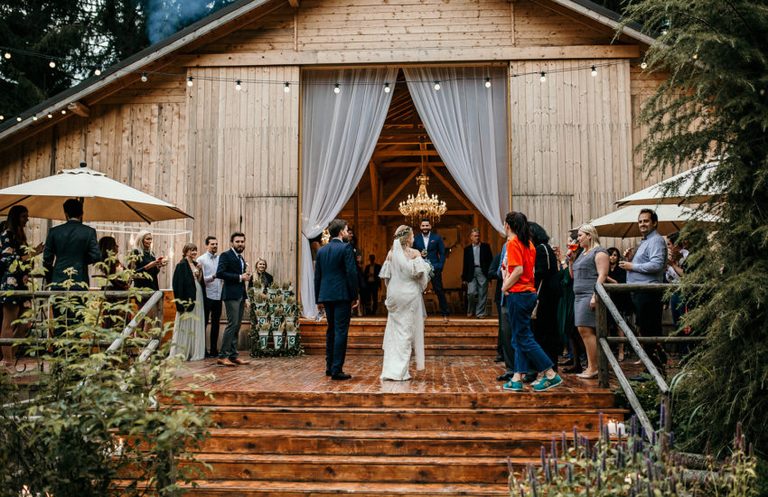 Traditional-Orthodox-Wedding-Hadar-Chalet-Barn-green-antlers-photography-875